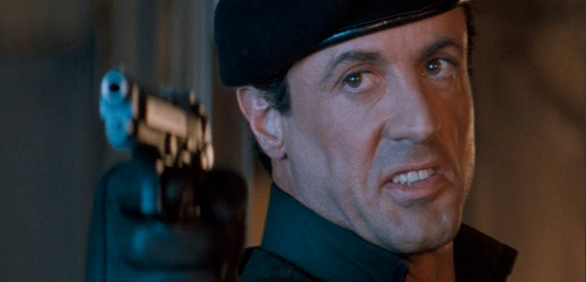 demolitionman-sylvesterstallone-gunpoint